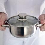 鍋の焦げの落とし方には酢や重曹、玉ねぎが効く!それ以外は?