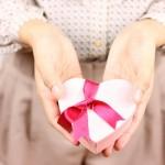 バレンタインの由来!チョコレートを渡す起源は日本だけ!?理由は?