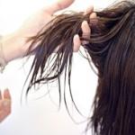 髪が湿気でうねる!広がる原因は?くせ毛と湿気対策のおすすめは?