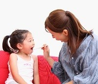 子どもの歯磨き画像