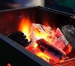 炭火の画像
