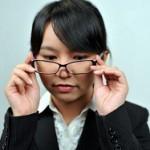 メガネをかけると鼻あてや耳・こめかみが痛い原因!頭痛もするときは?