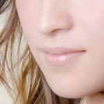グロスで唇が荒れる原因と症状!荒れないグロスは?