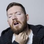 喉仏が腫れる原因はストレス?その見分け方や片方だけ腫れてる場合は?