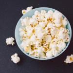 ポップコーンの栄養やカロリー、糖質は?食べ過ぎは太る?