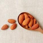 アーモンドの食べ過ぎはダイエットに逆効果!太る・ニキビの原因に?