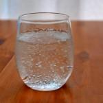 赤ちゃんに炭酸水や炭酸飲料を与えていいのは何歳から?違いはあるの?